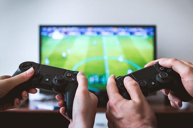 Should I Become a FIFA Pro?